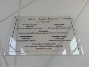 Plaque découverte pour l'inauguration du FAM